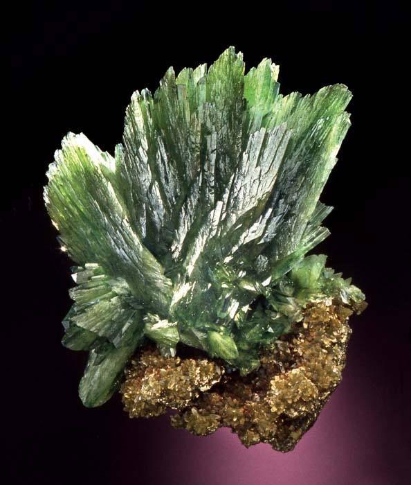 Ludlamite - Huanuni Mine, Dalence Province, Oruro Department, Bolivia