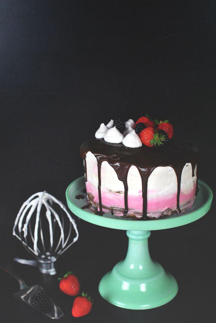 Čokoládový dort s kokosovou šlehačkou