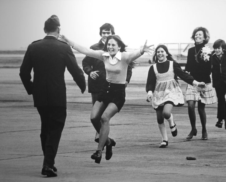"""1974 - Feature Photography - Slava Veder - """"for his picture 'Burst of Joy', which illustrated the return of an American prisoner of war from captivity in North Vietnam."""""""