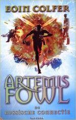 Ik ben Artemis Fowl gaan lezen doordat een kennis van mij zei dat dit een leuke serie zou zijn. Toen ik het eerste boek las (ongeveer 7 boeken in totaal) vond ik het een moeilijk en onduidelijk boek, maar na nog één keer te lezen snapte ik het wel en vond het een heel leuk boek. Natuurlijk wou ik ook het volgende deel lezen. Dat heb ik ook gedaan en het was ook nodig om eerste boek gelezen te hebben, want er komen verschillende karakters terug van het eerste boek.