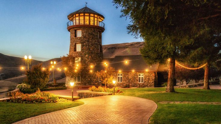 Clovis Castle - Top 7 Central Valley Wedding Locations | Stellar Lense Wedding Videography