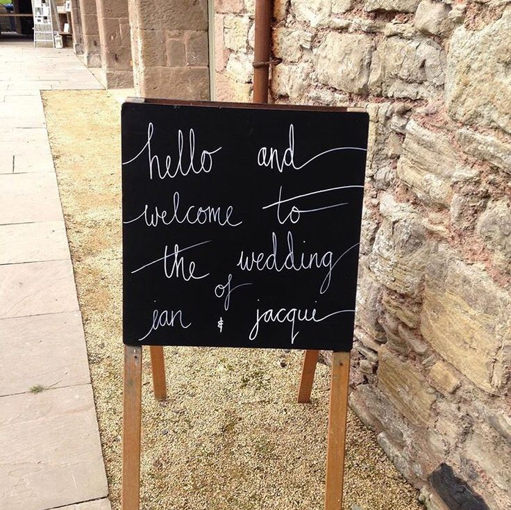 Welcome sign #welcomewedding #sign #chalkboardsign #easel #wedding #wedderburnbarns