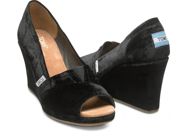how tacky would this be with my dress? I really love TOMS