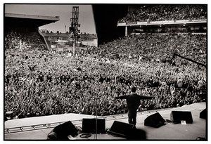 Jill Furmanovsky Oasis: Oasis play Maine Road, Noel