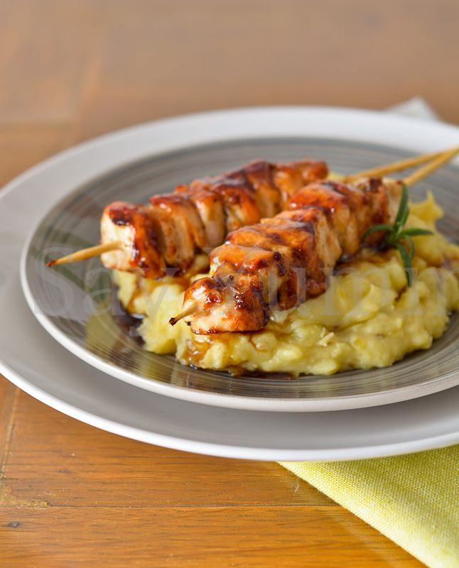 Chicken honey skewers with smash potetoes- Spiedini di pollo al miele con finto puré