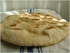 kata spájza: Serpenyőben sült sajtos lapos kenyér
