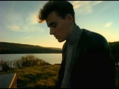 """SIMPLE MINDS / ALIVE & KICKING (1985) -- Check out the """"I ♥♥♥ the 80s!!"""" YouTube Playlist --> http://www.youtube.com/playlist?list=PLBADA73C441065BD6 #1980s #80s"""