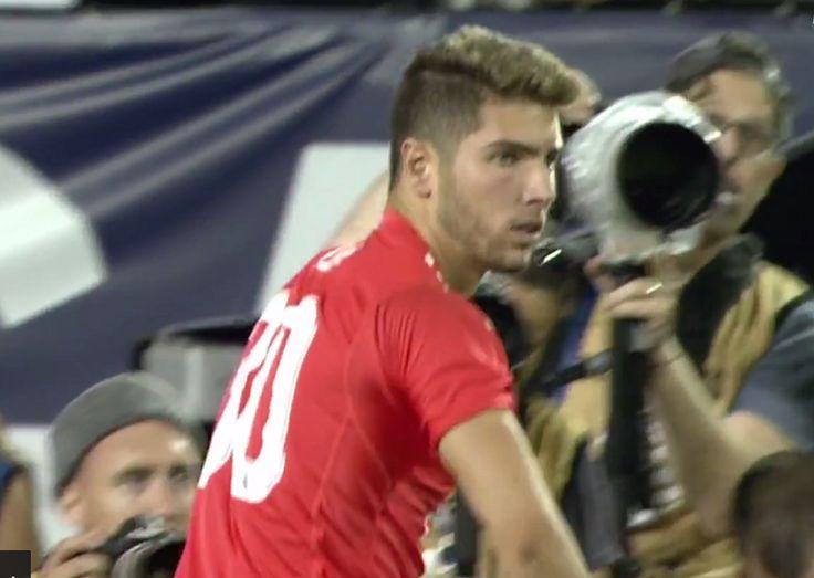 Le Real Madrid a battu une sélection des meilleurs de MLS cette nuit à Chicago (1-1, 4 tab à 2). Une victoire obtenue à l'issue de la séance des tirs au but grâce à un arrêt d'un certain Luca Zidane. Le fils de Zizou effectuait sa première apparition avec l'équipe pro.