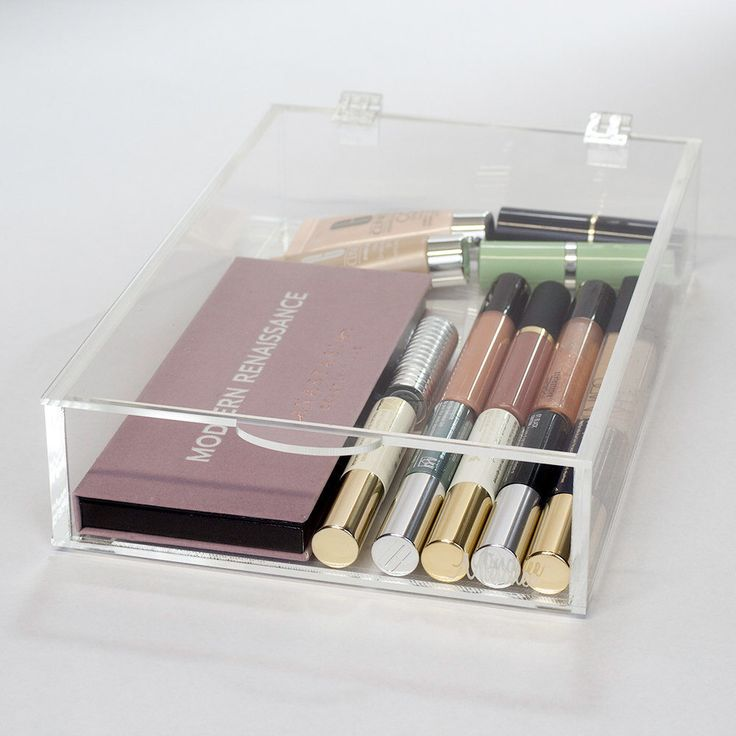 Tray, Makeup Organizer | Heart 7S - Clear Acrylic Makeup Storage by Minchee on Etsy https://www.etsy.com/listing/502240872/tray-makeup-organizer-heart-7s-clear