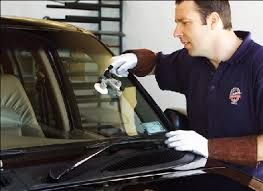 How to Find Windshield Replacement Technicians