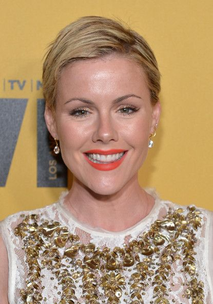 Kathleen Robertson Photos - Actress Kathleen Robertson attends Women In Film 2014 Crystal + Lucy Awards presented by MaxMara, BMW, Perrier-Jouet and South Coast Plaza held at the Hyatt Regency Century Plaza on June 11, 2014 in Los Angeles, California. - Arrivals at the Woman in Film Crystal + Lucy Awards — Part 3