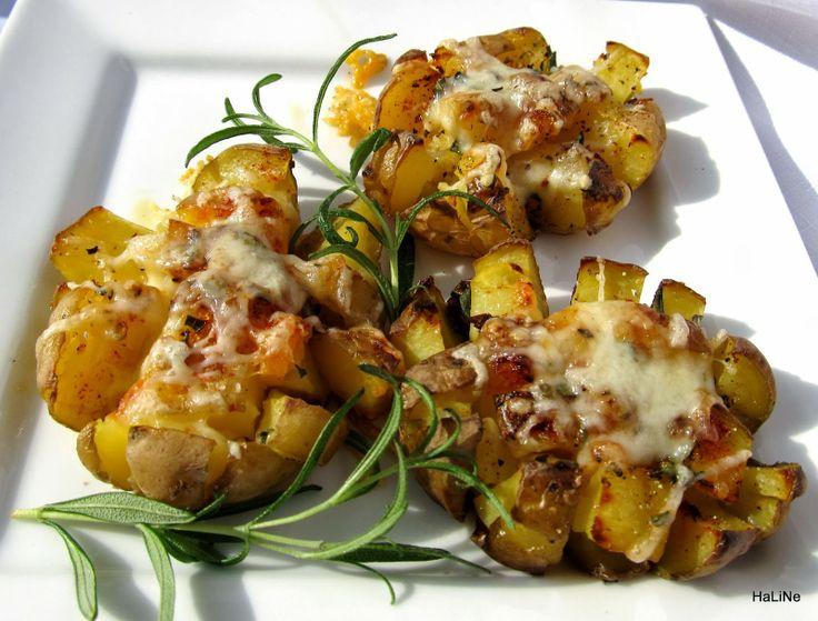 Brambory pečené s rozmarýnem a sýrem