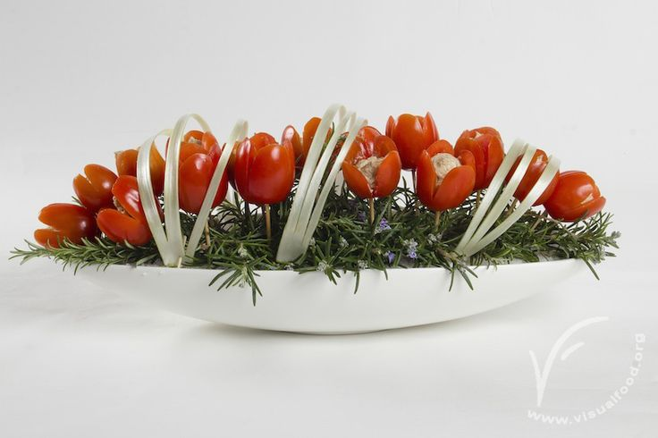 Tomato tulips. Video lesson available on www.visualfood.org