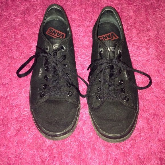 All black vans All black vans women's size 8 in very good condition. Only worn maybe 5 times, never really get the chance to wear them they aren't one of my favorites of all my pairs of vans. Purchased these at famous footwear for $45. Willing to trade for a different pair of vans or a pair of converse! Vans Shoes