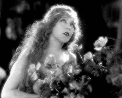 Mae Murray in The Merry Widow (Erich von Stroheim,...