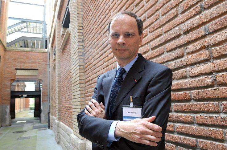"""Le prix Nobel d'économie 2014 attribué au Français Jean Tirole, qui a été primé pour son """"analyse de la puissance du marché et de la régulation"""", a annoncé le jury dans un communiqué."""