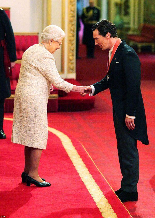 Sherlockology: Back at the Palace... congratulations to #BenedictCumberbatch on receiving his CBE! #Sherlock