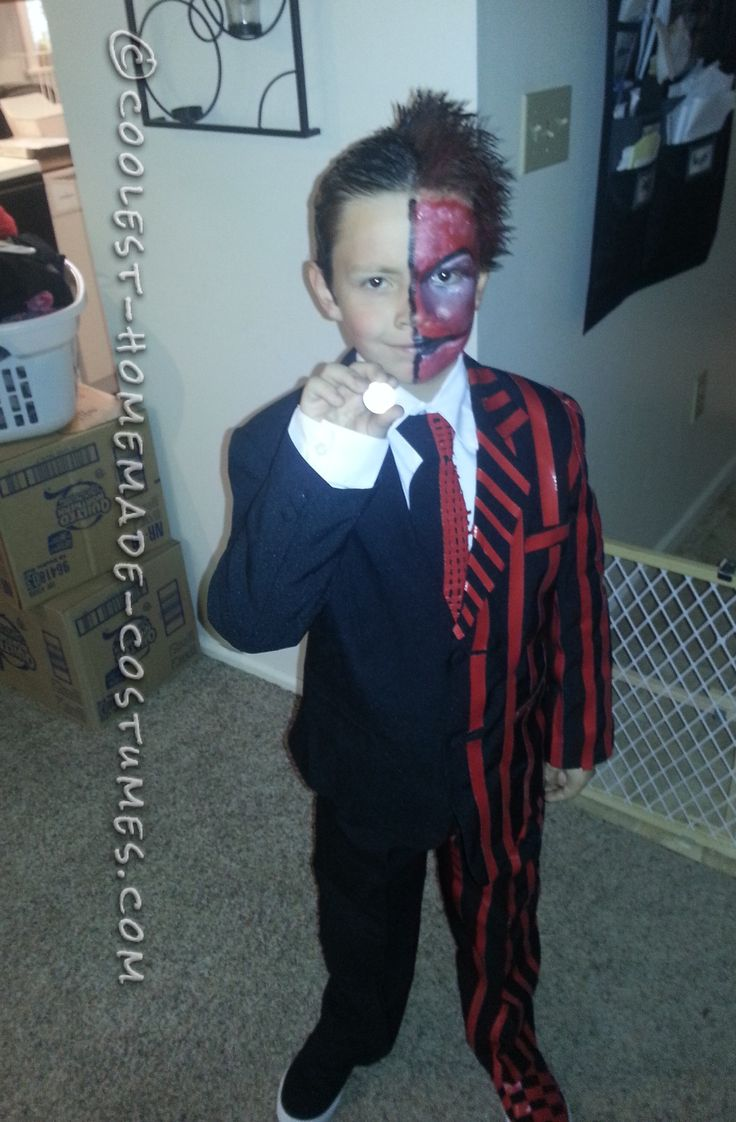 Awesome Two Face Costume for a Boy (No Sewing Required!)... This website is the Pinterest of costumes
