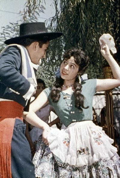 "Huasos Chilenos dancing ""cueca"". 1965    Via"