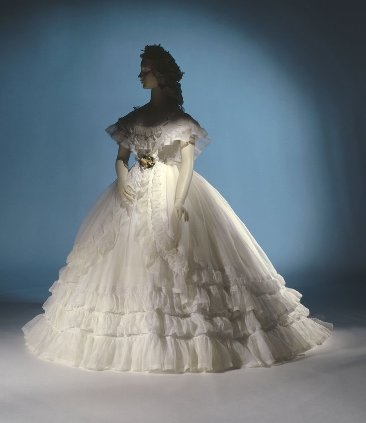 Best 128 Wedding dress ideas on Pinterest | Homecoming dresses ...