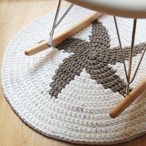 1000 images about crochet rug en pinterest trapillo dise o de gotas y hilos y lana - Como hacer alfombras de trapillo trenzadas ...