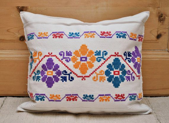 Vintage Transylvanian Embroidered Pillow Cover / by Medreana