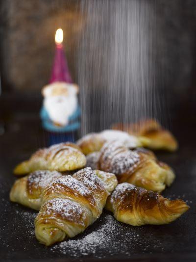 Marsipaanitäytteiset croissantit