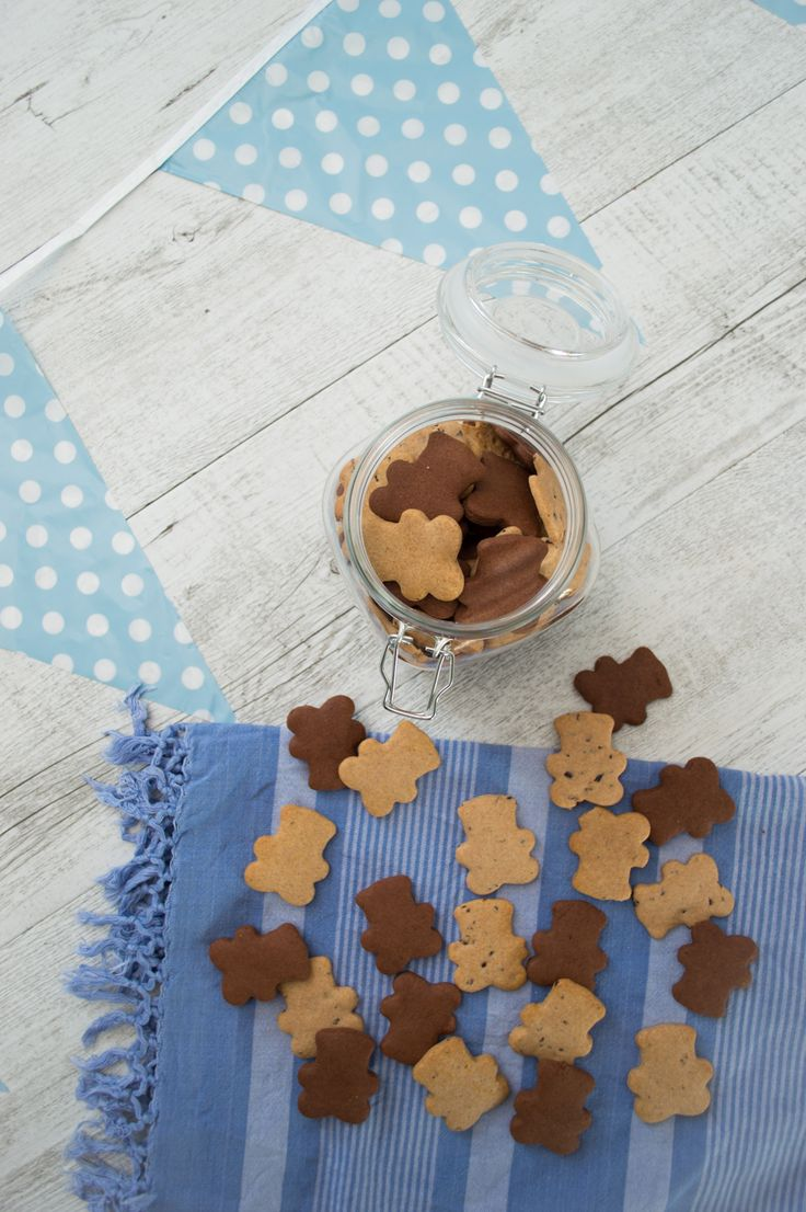 I'm genuinely concerned about the ingredients in many of the popular biscuits marketed to young children. Besides containing toxic (often genetically modified) vegetable oils and sugar, many contain potentially immune suppressive additives. So here is my too-easy alternative to those cute little Top Teddy biscuits. Suitable for wheat-free, dairy-free, gluten-free, egg-free, vegan.