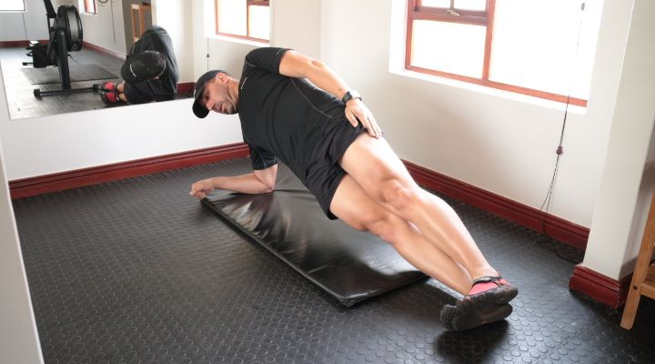 Beginner Core Exercises Why do Core Exercises? A strong core is one that can hold a tense, stable position – protecting the spine and enabling the arms and legs to produce propulsive force for extended periods.   #Core #Core Training #Strength training