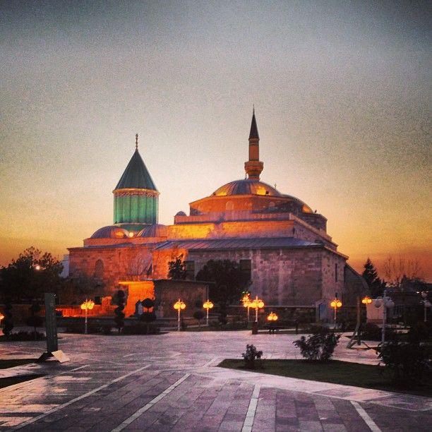 Mevlana Müzesi şu şehirde: Konya, Konya