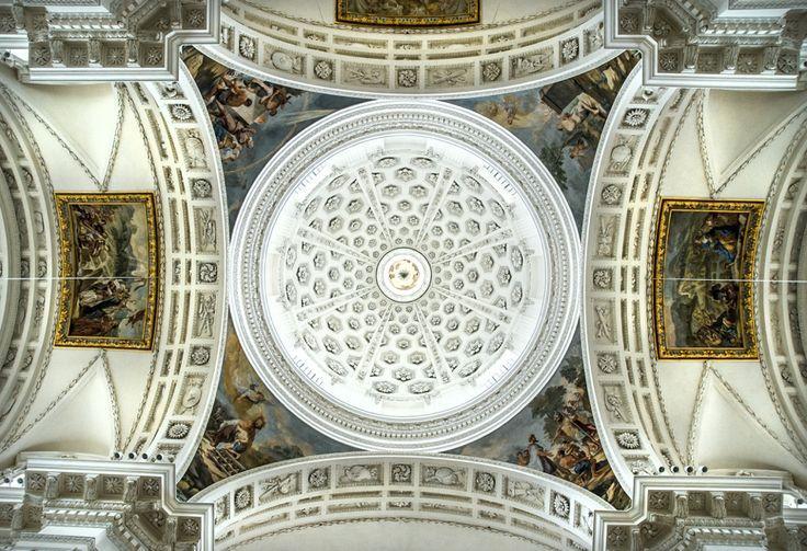 Solothurneko eliza baten sabaia (Ceiling of a church in Solothurn)
