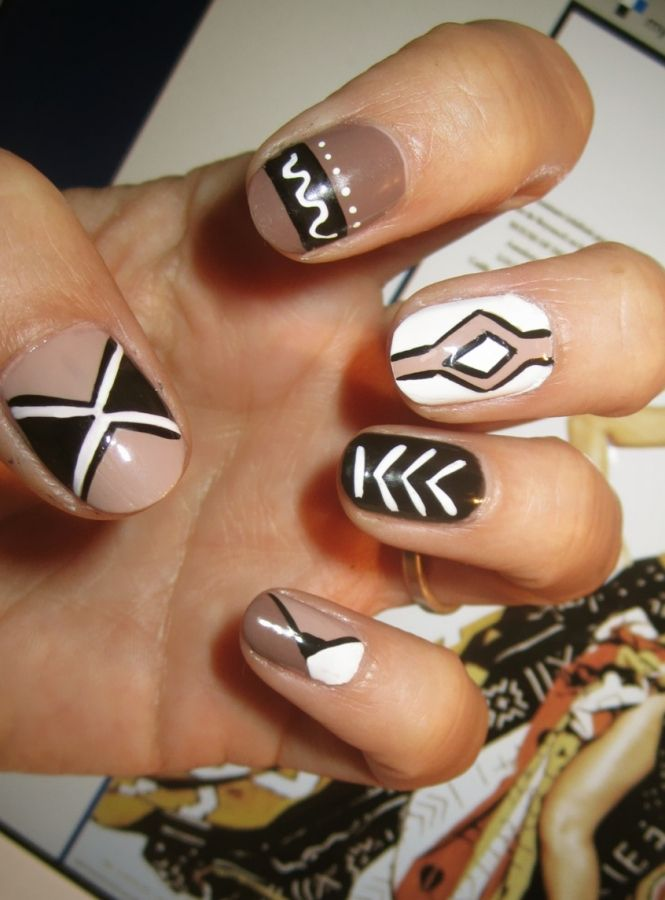 Aztec style simple pattern you can do at home - Easy nail designs you can do at home ...