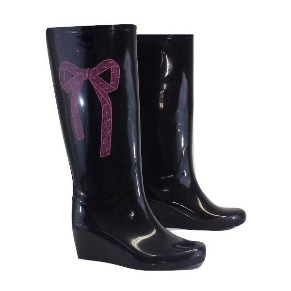Pre-owned Red Valentino Black & Pink Bow Rain Boots ($99) ❤ liked on Polyvore featuring shoes, boots, black, pink bow boots, black bow boots, wellies boots, bow boots and black mid heel boots