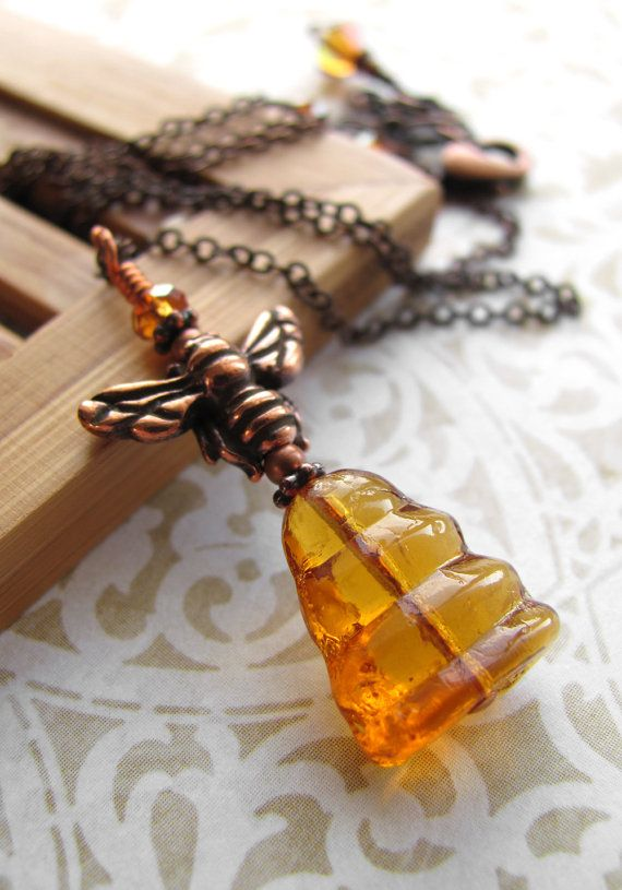 AMBER LOVE  . . .   honey bee pendant
