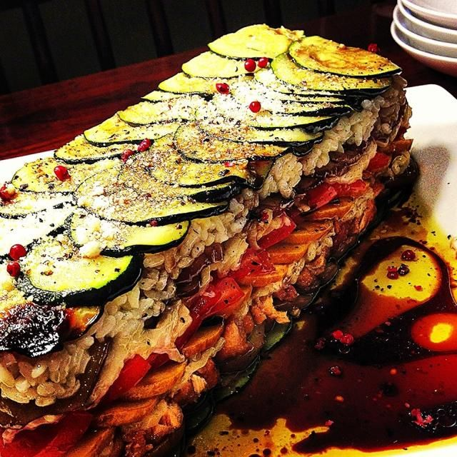 野菜は全部、オーブンでまとめ焼き、イタリアンな箱寿司みたいになりましたw - 276件のもぐもぐ - Eggplants, zucchinis & tomatoes rice salad ナス、ズッキーニ、トマトのライスサラダ by centralfields