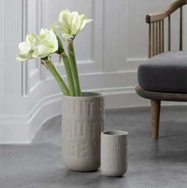 Love song vase fra Kähler. #inspirationdk #gavertilhende #giftsforher #Kähler #LoveSong #danskdesign