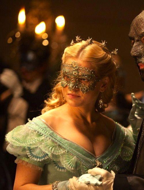 Alice Eve as Emily Hamilton inThe Raven (2012). ~Ballo in Maschera~