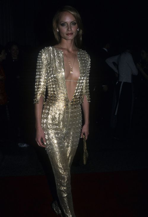 Amber Valletta au gala du MET Costume Institute 1999