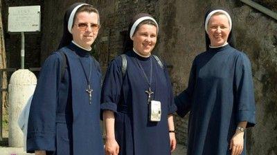 Italský kněz pořádá soutěž onejkrásnější jeptišku
