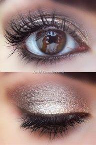 brown eyes, brown eyeliner and gold eyeshadow