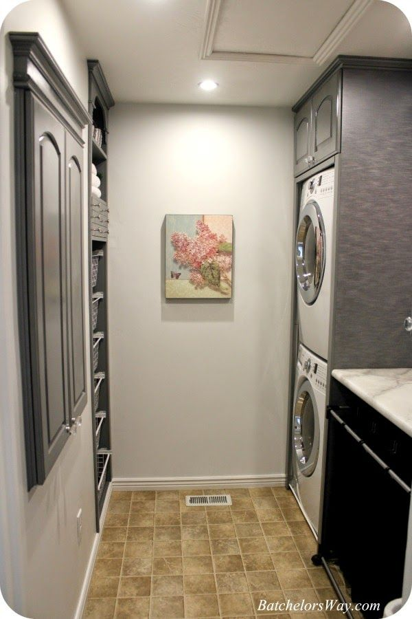 Amazing laundry room makeover! Tons of function packed into this small room.