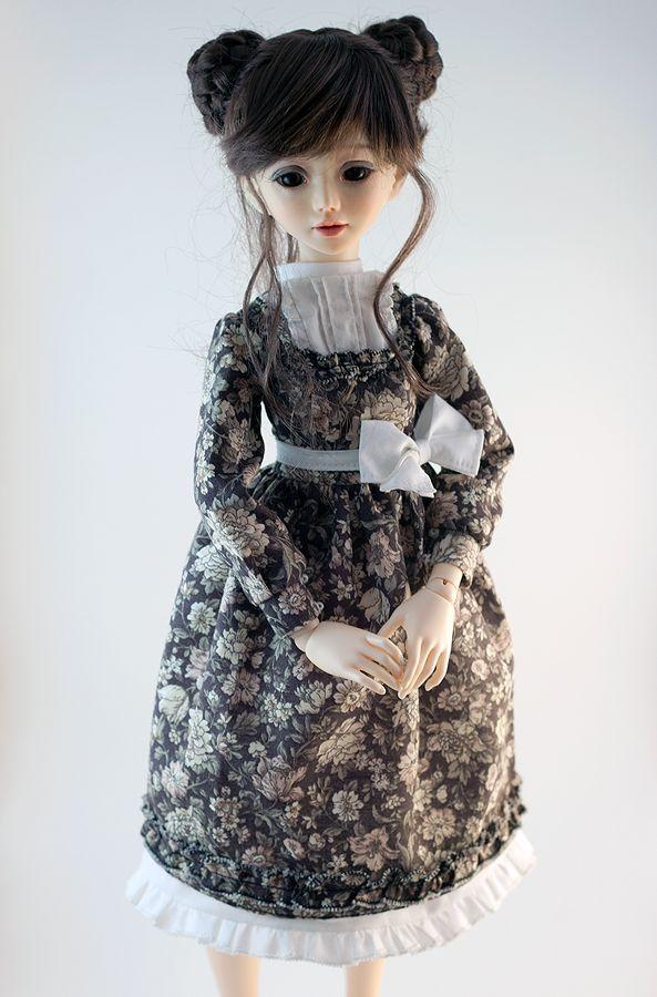 Msd dress 'Black coffee' 2 by Nulize.deviantart.com on @DeviantArt #bjd #abjd #bjdclothes #bjdfashion #fairyland #minifee #fairylandmnf #unoa #unoalusis #msd #slimmsd #bjdsewing #dolls #nulizeland