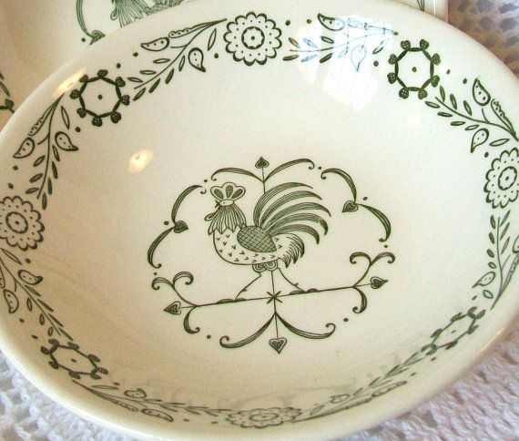 Vintage Pair Small Bowls Green Rooster Weather Vane by pinkpainter $8.00 & 25 best Rooster bowls images on Pinterest | Roosters Serving bowls ...