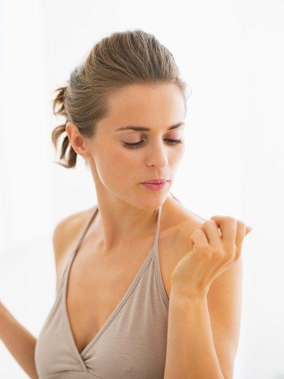Avec les bons gestes et les bons produits, c'est facile d'avoir des jolis ongles.
