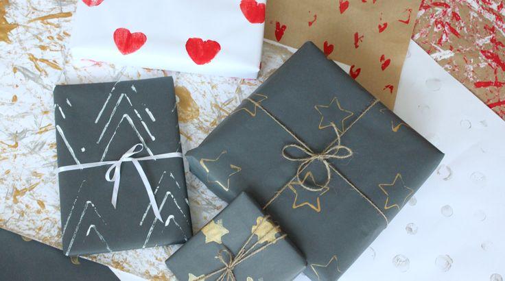 Kuusi tapaa kuvioida persoonallinen lahjapaperi! Käytössä mm. softis-tarroja, askartelutikkuja, piparkakkumuotteja ja perunoita.