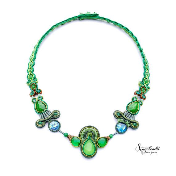 Hand embroidered soutache necklace in emerald. by Sengabeads