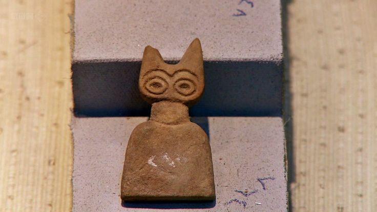 """Alabaster """"Eye Idols"""" from the ancient site of Tell Brak, north Mesopotamia"""