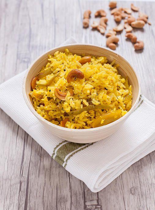 Nimbu Chawal : Un délicieux riz indien au citron avec des noix de cajou !  A delicious indian lemon rice with cashew nuts !