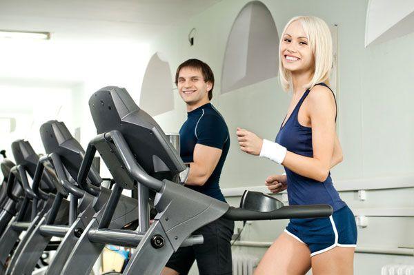 Тренировки для жиросжигания и набора мышц    Кардио тренировка для жиросжигания и силовая тренировка для роста мышц.  Всего в неделю необходимо делать от 3 до 6 жиросжигающих кардио тренировок.    http://bodysportal.com/bodibilding/programmydlyabodibildinga/trening-zhiroszhiganie-nabor-myshts