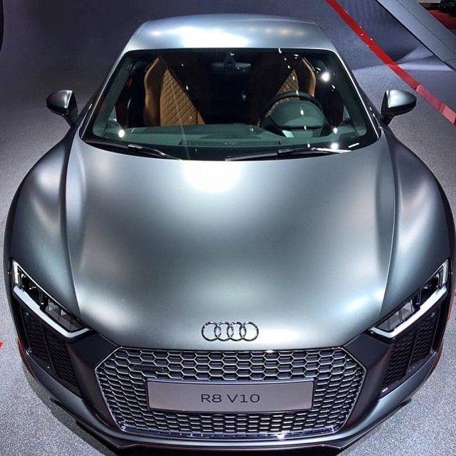 Audi R 8 v 10